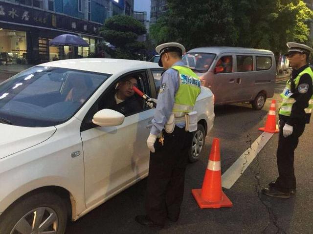 即日起到7月15日 重庆集中开展酒驾毒驾统一整治行动
