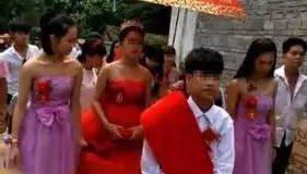 13岁男孩奉子成婚