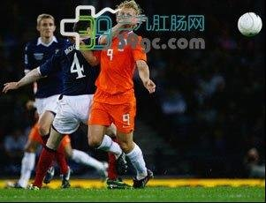 世界杯狂欢 当心痔疮也狂欢