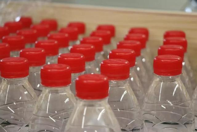 """共享饮水机来了 创始人声称""""干掉瓶装水"""""""