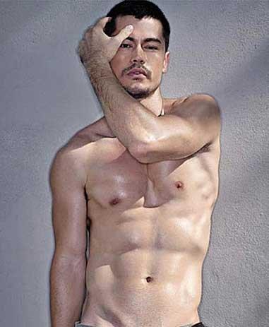 男硬汉肌肉壁纸纹身