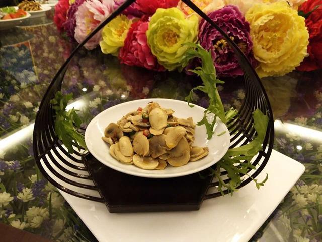 垫江美食花样樱花海别有心情赏樱花品孔雀来与牡丹美食图片