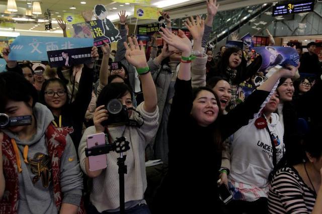 《终极一班5》八位主创来渝 粉丝从全国各地聚集重庆