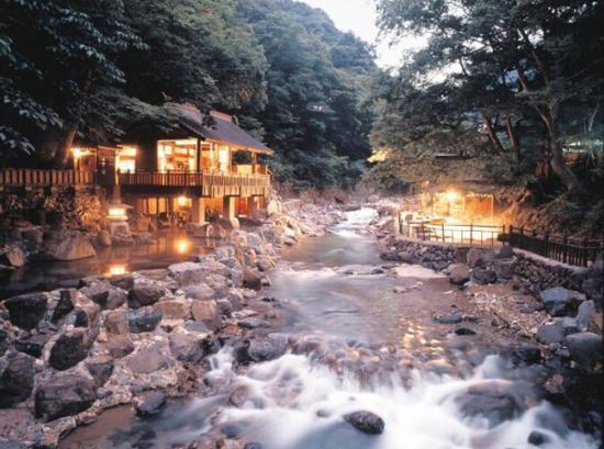 日本游规避人潮 就去这6个绝美的秘密景点