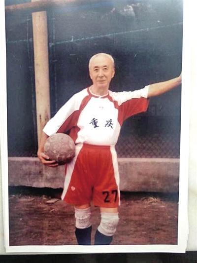 """一代京剧名丑厉慧森去世 """"厉家五虎""""成绝唱"""