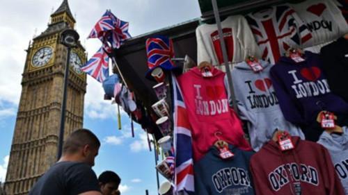 英镑贬值促免税购物上升 中国游客占主力