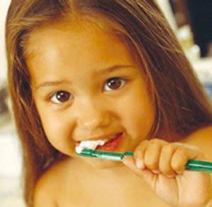 儿童牙齿坏图片