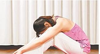 8个瑜伽动作轻松塑造S曲线