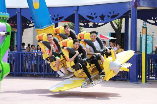 重庆欢乐谷回馈广大市民 优惠活动将持续一个月_大渝网_腾讯网