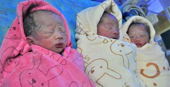重庆27岁二胎妈妈竟生下三胞胎