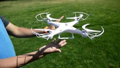 100%手势操作无人机问世:手掌一拨就起飞