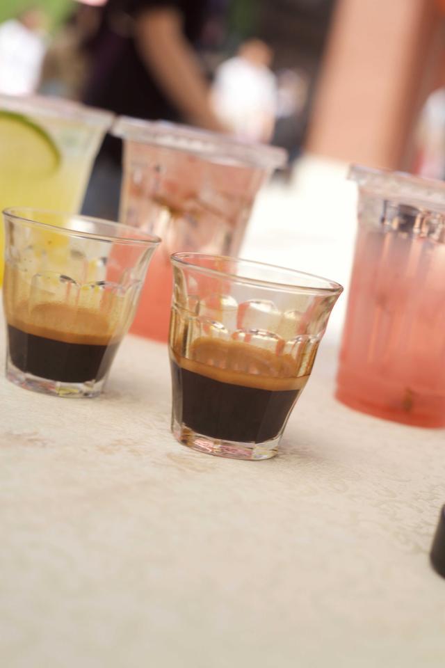 """世界最逼格的咖啡扎堆解放碑 印尼""""土著""""Awaker十分抢镜"""