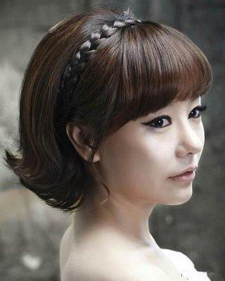 搭配这样的齐刘海新娘发型恰到好处