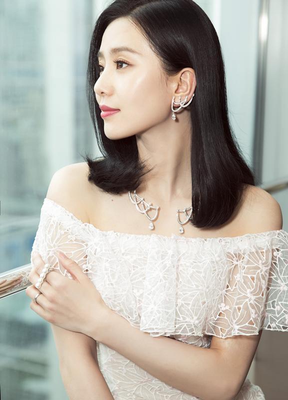 刘诗诗 从小跳芭蕾的女孩天生和珍珠最配