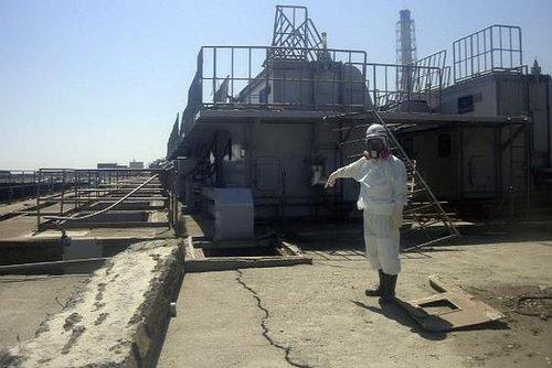 福岛第一核电站用水泥堵漏失败 将改用超级胶