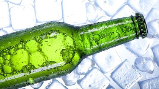 啤酒瓶为啥大多是绿色