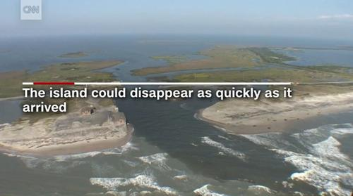 奇!美国北卡外滩海中冒出1.6公里长神秘小岛(图)