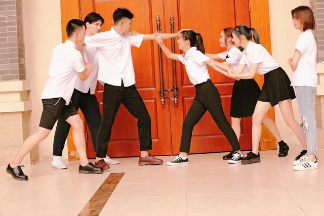 献礼教师节 这群重庆高中生自导自演了微电影