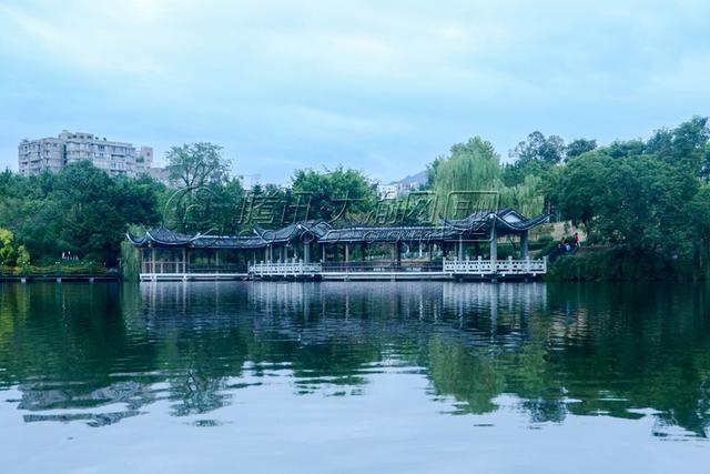 秋季旅游攻略—月潭公园