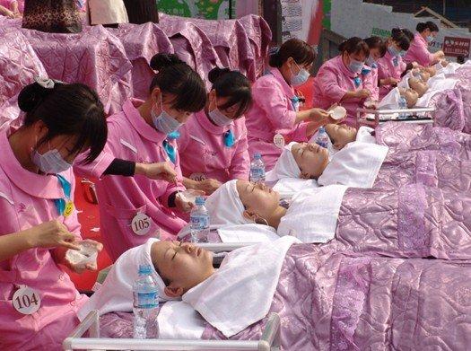 重庆美容美发化妆美甲技能比赛图片