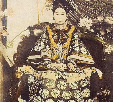过年要在饺子里包硬币 这个习俗起源于她