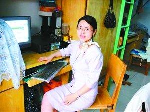 32岁的王丽仍住在学校宿舍