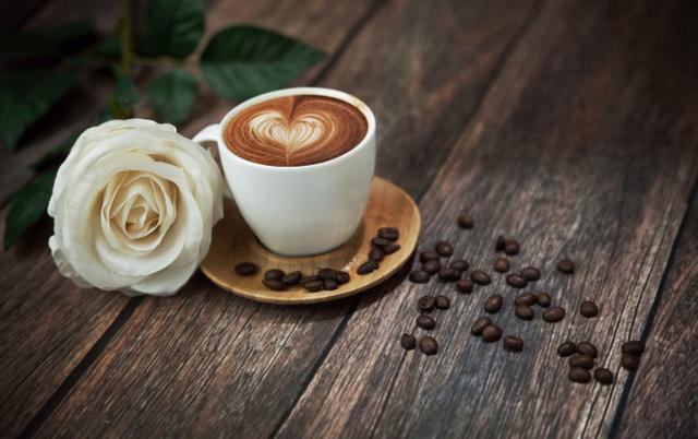 喝咖啡有助于控制血糖修复心脏