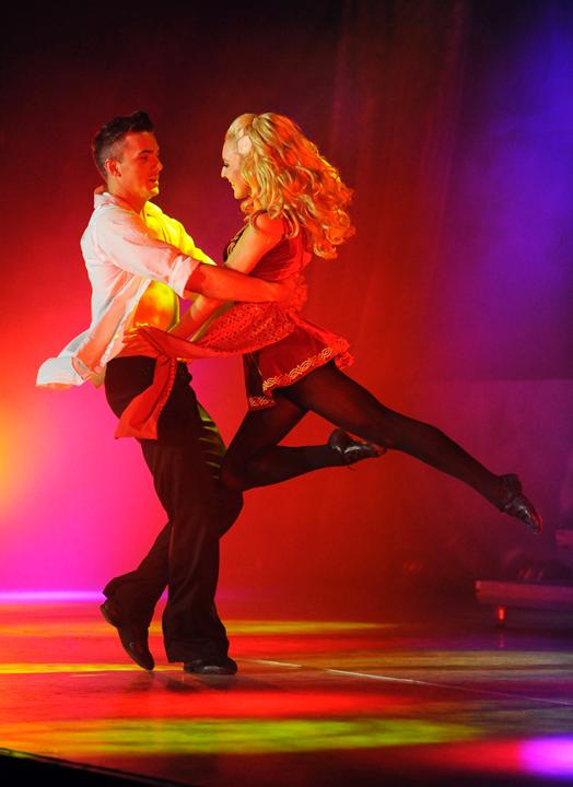 """爱尔兰""""命运之舞""""踢踏舞团世界巡演20周年纪念版"""