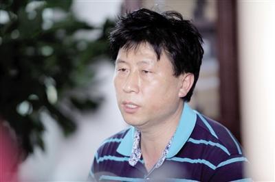 重庆21岁女大学生资助4名贫困生 反被质疑炒作哭了一上午