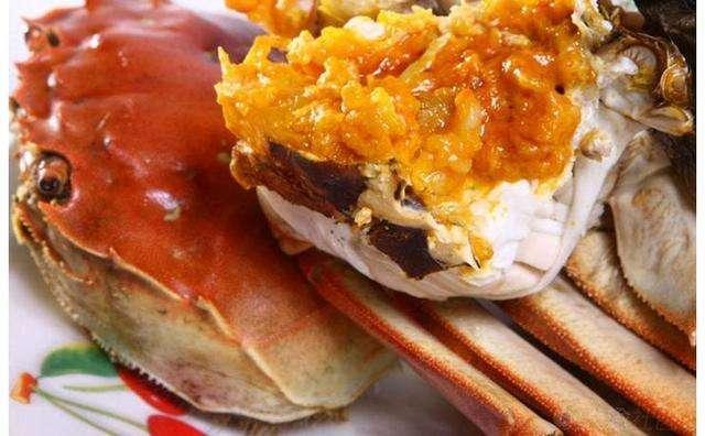 螃蟹肥美男子连吃几只 双腿肿胀患上肾衰竭