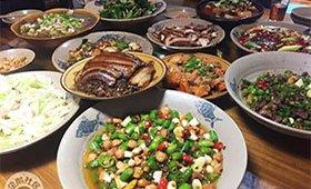 介于江湖菜和家常菜的大锅饭
