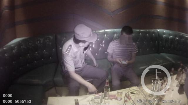"""男子吃""""霸王餐""""被要求买单 报警反诬被人扣押"""