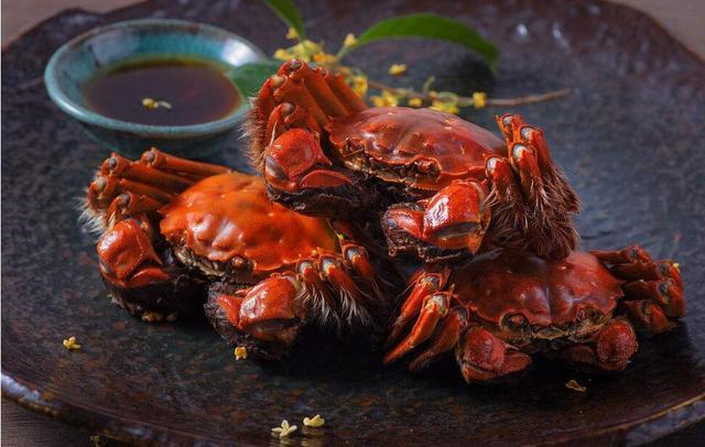 男子吃大闸蟹突发肾衰竭 吃蟹禁忌得清楚!