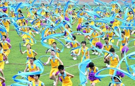 重庆一中过80岁生日 4名院士校友来祝贺