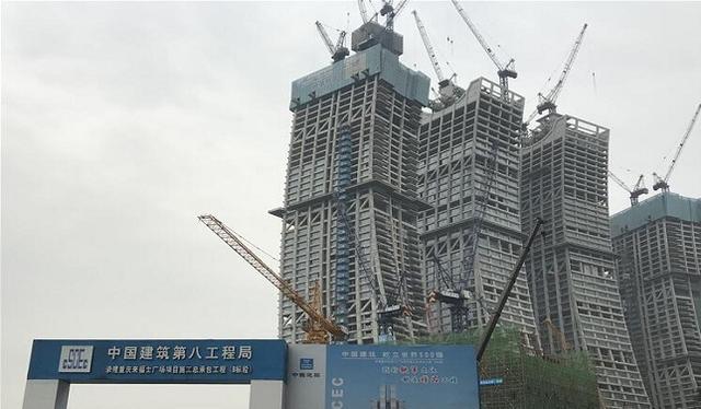 """建百吨钢质大门挡江水 """"朝天扬帆""""吸引中外专家团"""