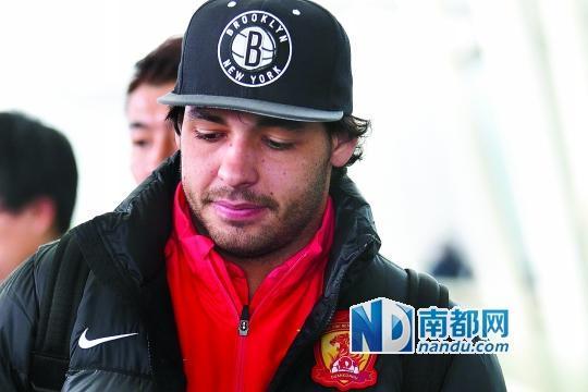 粤媒析中超转会烧钱高效 批国安潜规则阻球员