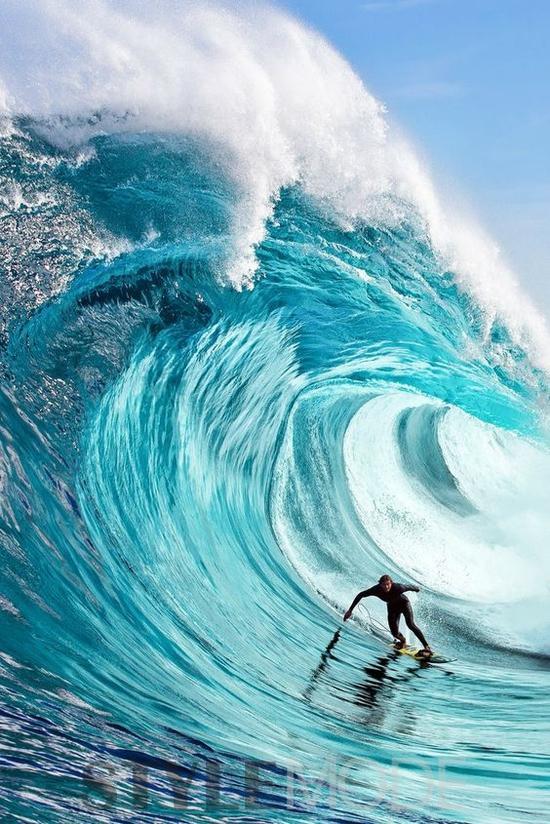 今夏最有魅力的冲浪圣地 体验速度与激情!2