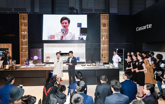 东方卫视专题报道:杨澜探秘海尔智慧家庭为品质节打call
