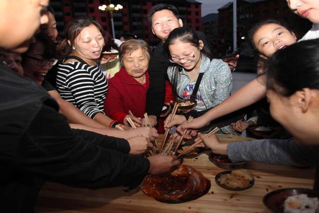 盐马古道、七彩云海…央视2次走进重庆这个乡村!