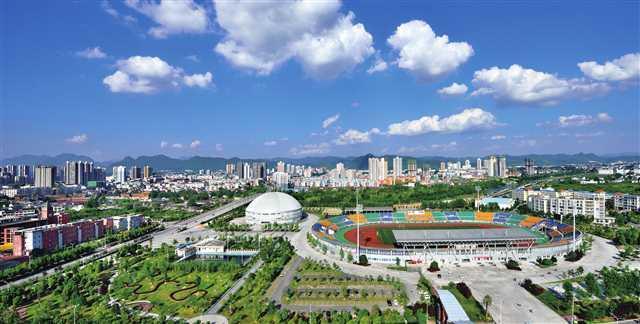 秀山县人口_重庆这个被称为小成都的县城,人口65万,拥有758平方公里平坝