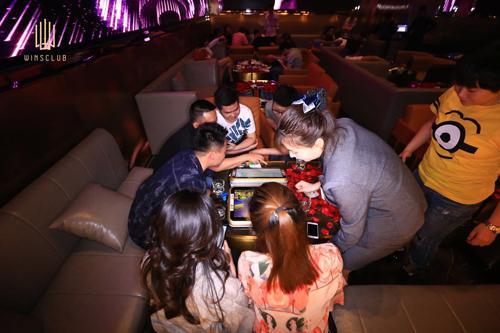 福彩主题酒吧开业 来北滨路一起为幸运干杯