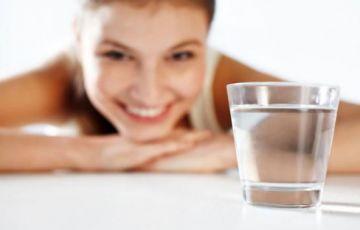 这样喝水最养胃!记住这4个数,让你有个好身体
