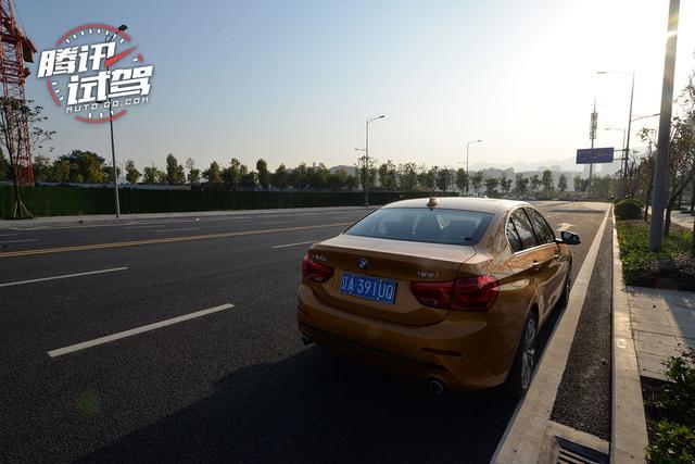 向均衡靠近一点点 试驾全新BMW125i