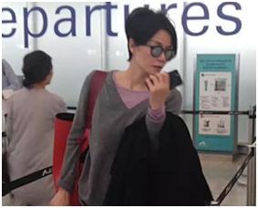 组图:47岁王菲清新短发现身 素面朝天特别瘦