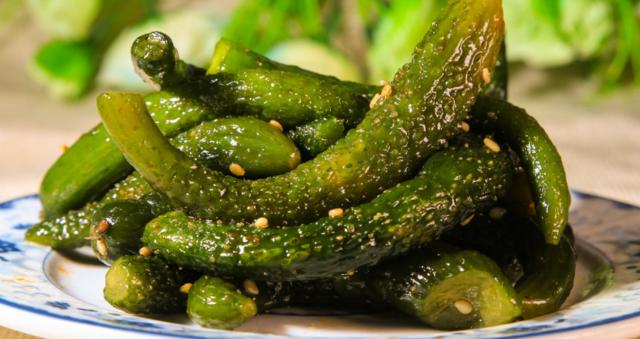 腌制食物就会致癌?专家:腌黄瓜能抗癌延衰老