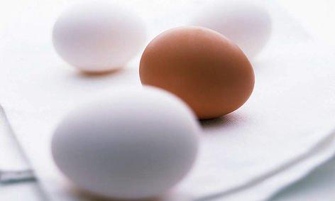 蛋与糖同煮导致血液凝固  因为在长期加热的条件下,鸡蛋中的氨基酸