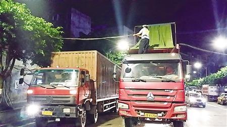 大货车挂断80斤重电缆线