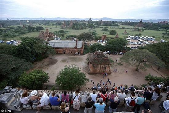 缅甸严禁游客攀爬古迹 佛塔看日落传统将取消