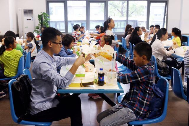 康师傅:对食品安全零容忍——新华小记者实践行