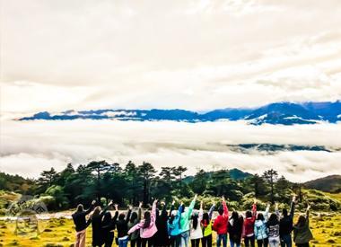 走老川藏线攀登红岩顶 与贡嘎神山遥遥相望